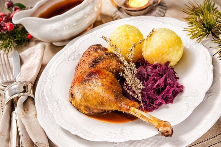 Vier Restaurants, die euch eine leckere Weihnachtsgans zubereiten